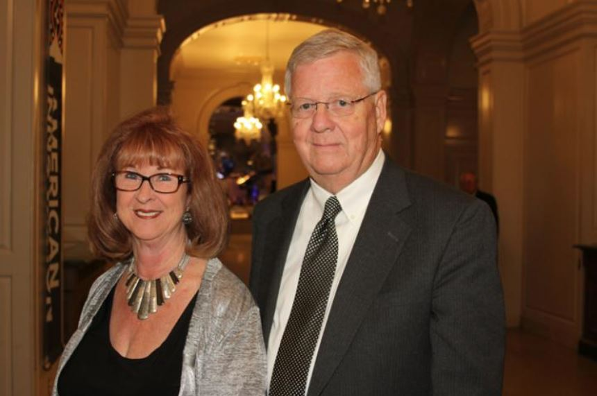 Barbara Barrel, Richard DeVries